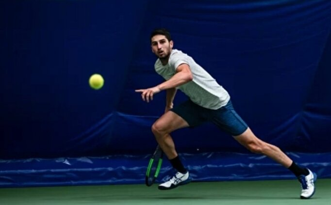 Milli tenisçi Rusya'da finale yükseldi