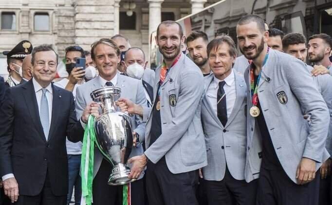 İtalya'da Kovid-19 artışında EURO2020 şüphesi