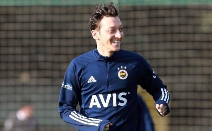 Fenerbahçe'de Mesut Özil kararı!