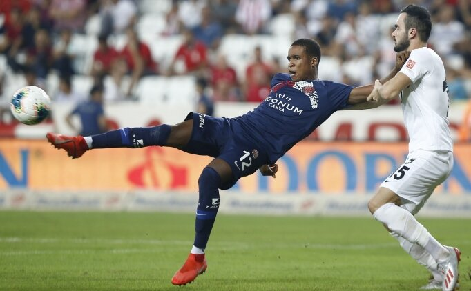 Mukairu'nun İngiltere transferi iptal