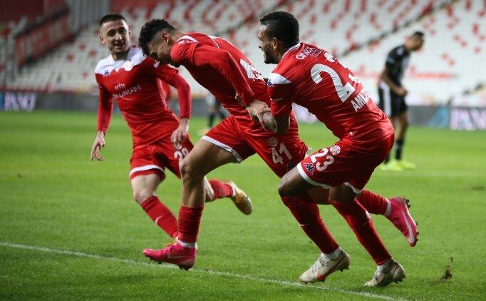 Antalyaspor 'yenilmezlik fitili'ni genç oyuncularıyla ateşledi