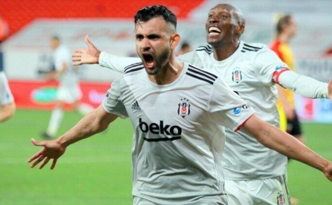 Galatasaray taraftarından Gomis'e Ghezzal çağrısı!