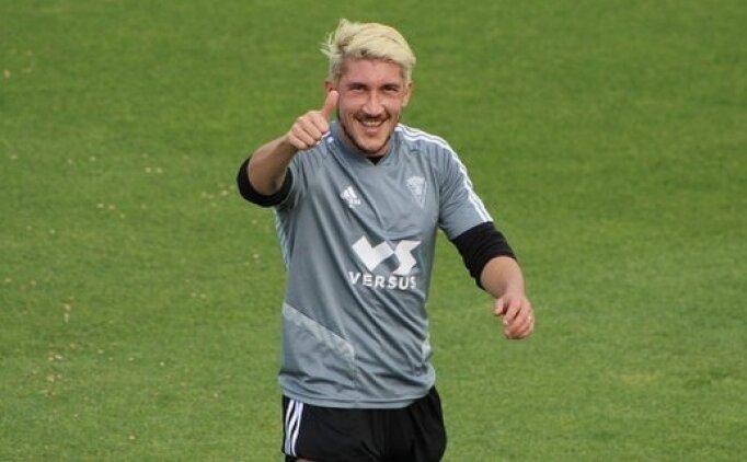 Trabzonspor transfere doymuyor! Sol beke Espino