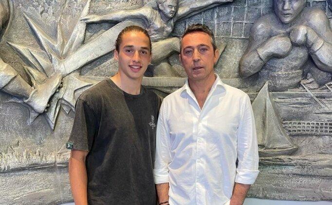 Fenerbahçe, genç golcüyle 3 yıllık imzaladı