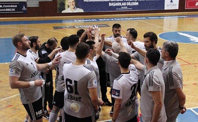Beşiktaş Aygaz'da antrenör Müfit Arın ve 7 oyuncuyla yollar ayrıldı