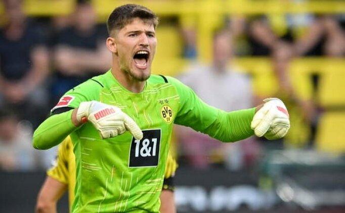 Dortmund 9 gol yiyen kalecisine sahip çıktı