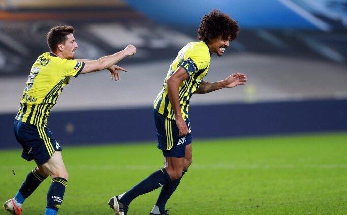 Luiz Gustavo formasını alıyor