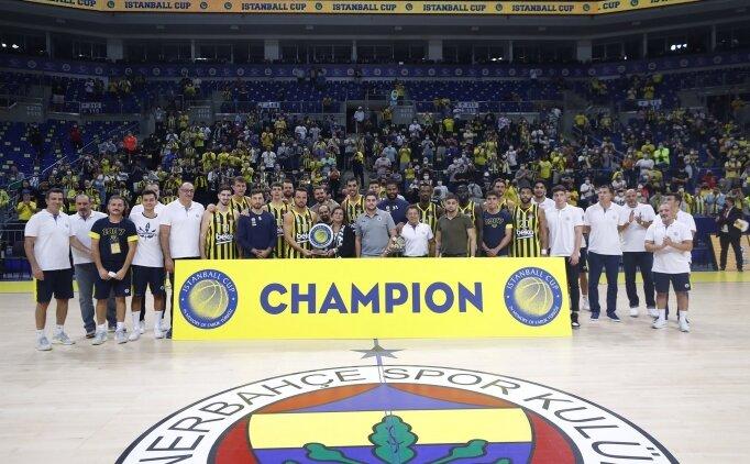 Fenerbahçe Beko, Obradovic'i yenip kupayı aldı