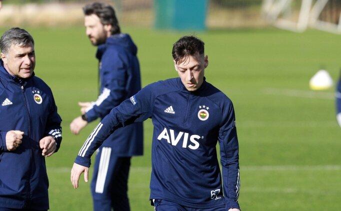 Mesut Özil'den ısınma turu
