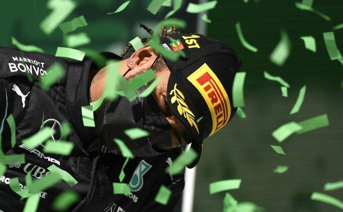 Sir Lewis Hamilton, Max Verstappen'i avladı!