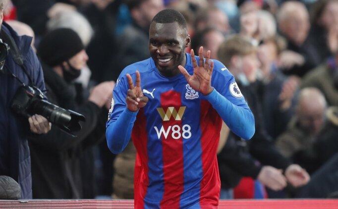 Crystal Palace, Christian Benteke'nin sözleşmesini uzattı