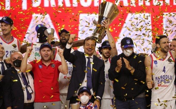 THY EuroLeague'de yılın başantrenörü Ergin Ataman!