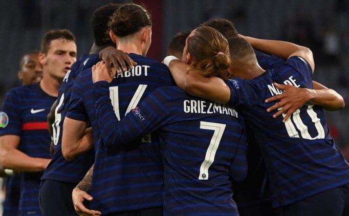 Devlerin maçında kazanan Fransa oldu