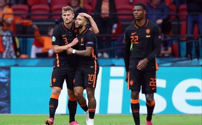 Hollanda, 3'te 3 ile rahatça turladı!