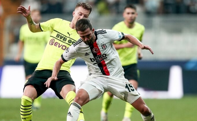 Beşiktaş'ta Pjanic alkış aldı