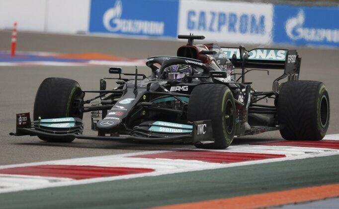 Lewis Hamilton Rusya'da tarih yazdı!