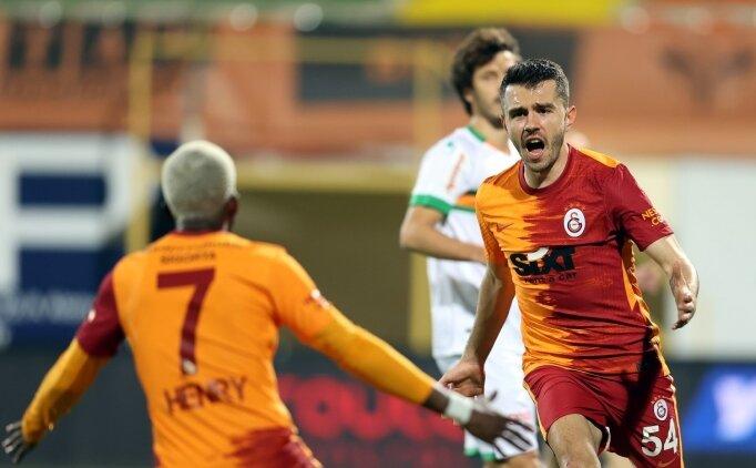 Galatasaray'da 6 isim geri dönüyor