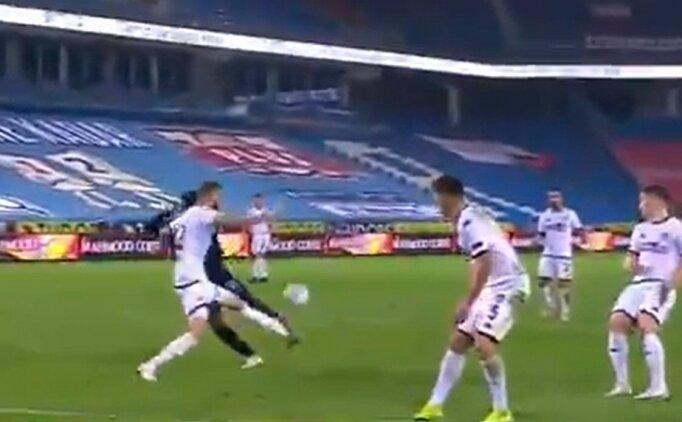 Trabzonspor - Denizlispor maçında tartışılan penaltı pozisyonu