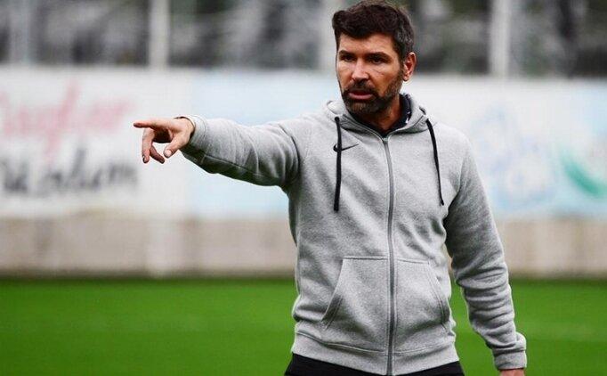 Denizlispor'da Hakan Kutlu görevinden ayrıldı