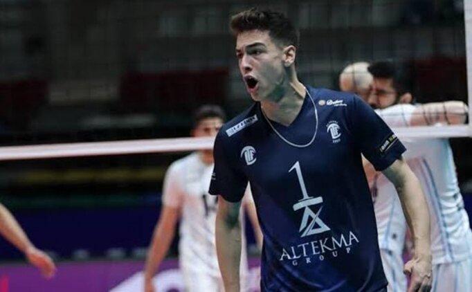 Fenerbahçe voleybolda Kaan Gürbüz'ü transfer etti