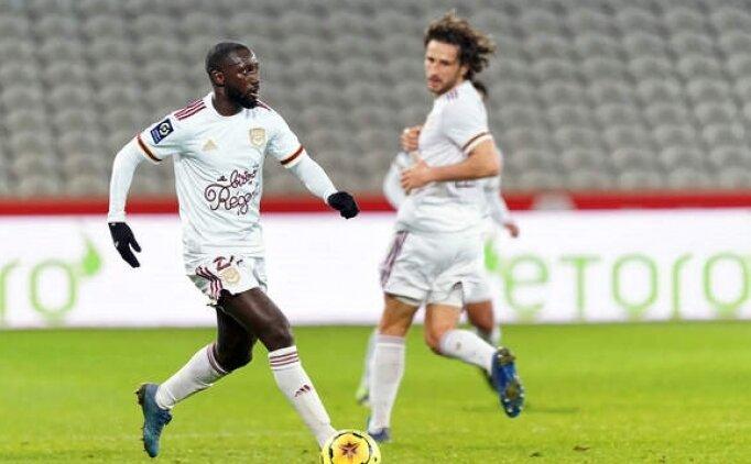 Galatasaray'da Fransa'dan sağ bek atağı