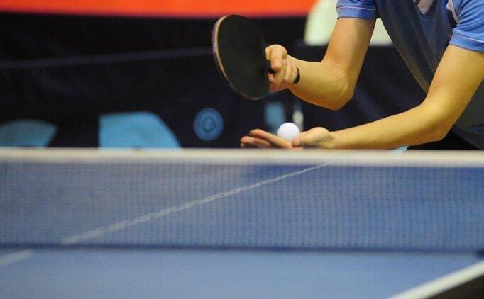 Milli masa tenisçi Talha Yiğenler, olimpiyat vizesi alabilmek için raket sallıyor