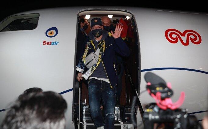 Mesut Özil Fenerbahçe açıklaması! Mesut Özil Fenerbahçe'ye geldi mi? İmza attı mı oku