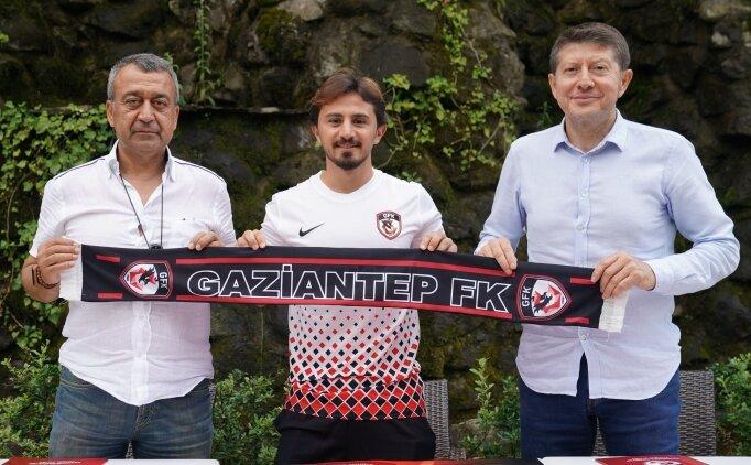 Recep Niyaz, Gaziantep'e imza attı