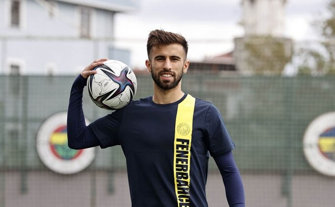 Fenerbahçe'de Diego Rossi formayı kapıyor!