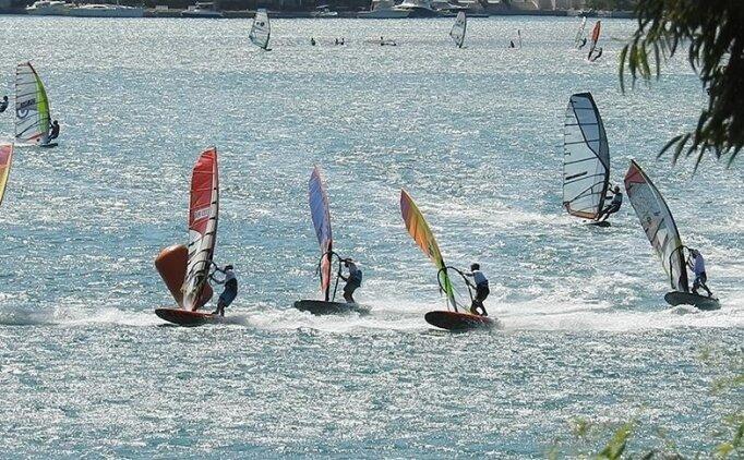 Rüzgar sörfünde Slalom Çocuklar ve Gençler Dünya Şampiyonası İtalya'da yapılacak