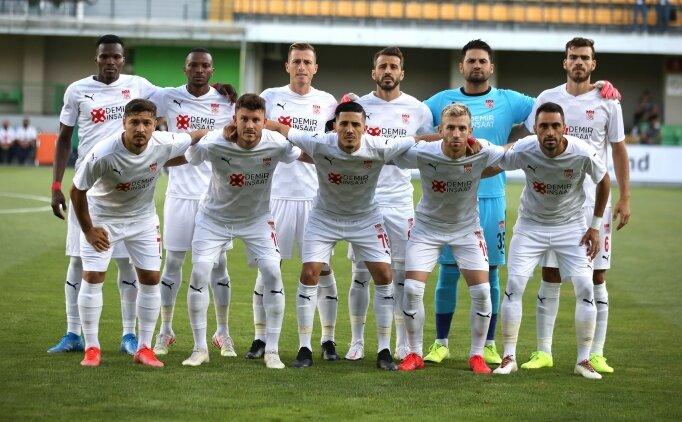 Mecnun Otyakmaz'dan Petrocub maçı ve transfer açıklaması