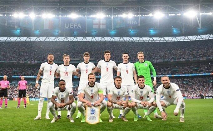 Spor dünyasından ırkçı saldırılara maruz kalan İngiliz futbolculara destek
