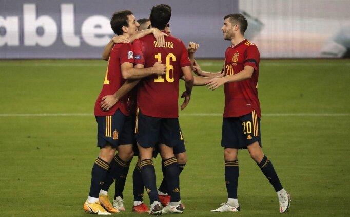 İspanya Milli Takımı'nda teknik heyet ve futbolcular, Kovid-19 aşısı oldu
