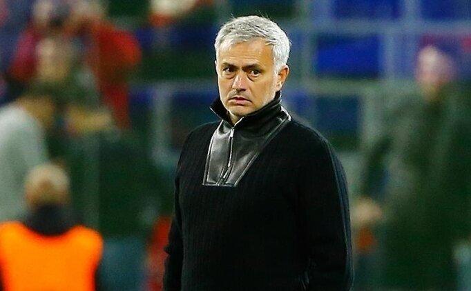 Jose Mourinho, Roma ile 3 yıllık sözleşme imzaladı