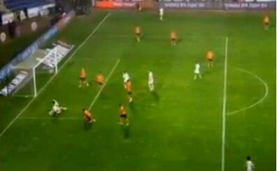 Başakşehir - Galatasaray maçında penaltı kararı