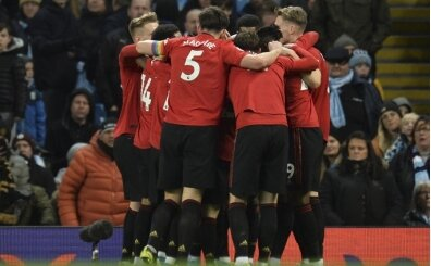 City yarıştan çekiliyor: Manchester United kazandı!