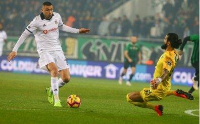 Burak Yılmaz 11 yıl sonra Beşiktaş için sahada