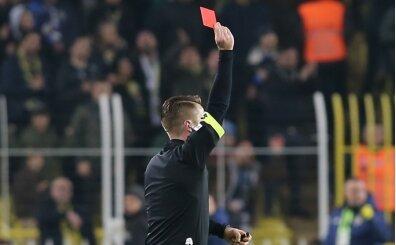 Fenerbahçe'ye 10 kişilik rakip yaramıyor!