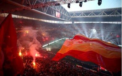 Galatasaray kutlamada para bastı!
