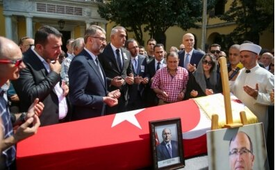 Bakan Yardımcısı Dursun için Galatasaray Lisesi'nde tören düzenlendi