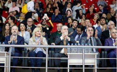 Galatasaray taraftarından Mustafa Cengiz'e destek!