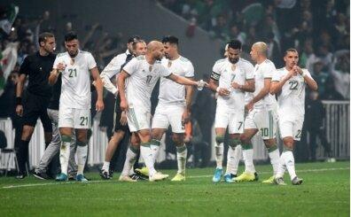 Feghouli ve Slimani oynadı, Cezayir zirvede rahatladı!
