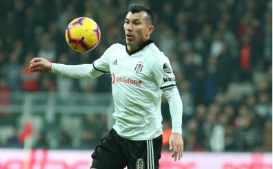 Beşiktaş'ta transfer pişmanlığı; Gary Medel...