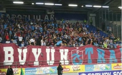 Trabzonspor taraftarlarına taşlı saldırı!