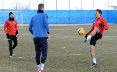 Erzurumsporü, Konyaspor'a yeni transferleriyle çalıştı