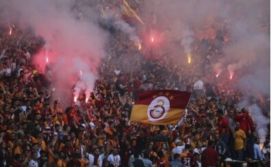 Galatasaray taraftarları: 'Transfer nerede?'