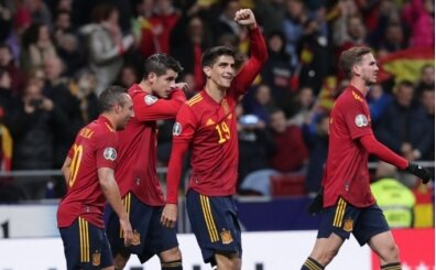 İspanya, Romanya'yı 5 golle devirdi!