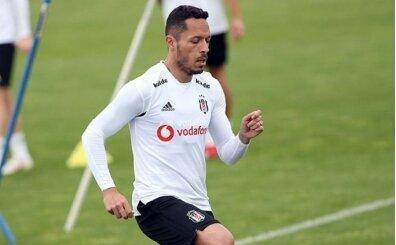 Beşiktaş'ta Adriano için sürpriz karar!