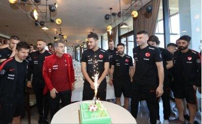 Ozan Kabak'a doğum günü kutlaması