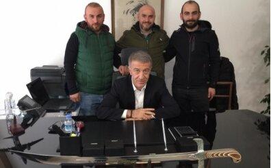Ağaoğlu'na kılıç hediyesi! 'Trabzon'u savunmak için...'